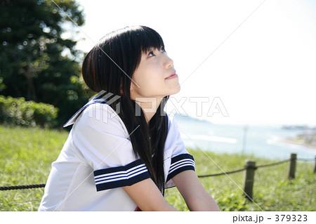 655b09779cdad8 女性 晴れ 長髪 1人 日本人 セーラー服 悠海 女学生の写真素材 - PIXTA
